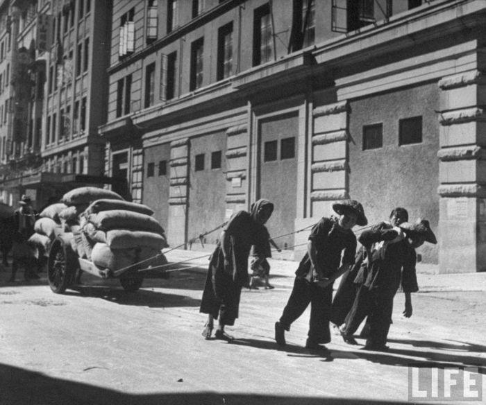City-life-Hong-Kong-1945-12