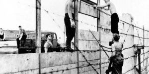 Vintage: Constructing the Berlin Wall (1961)