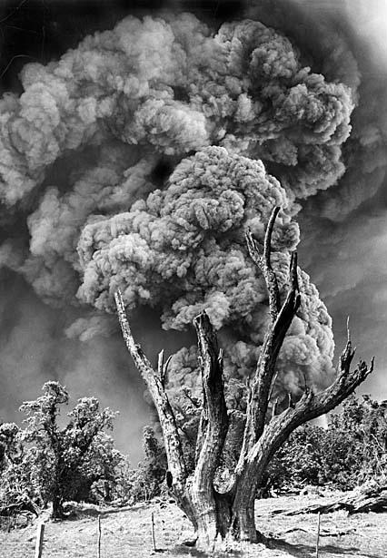 Costa-Rican-volcano-Irazu-in-1964-01
