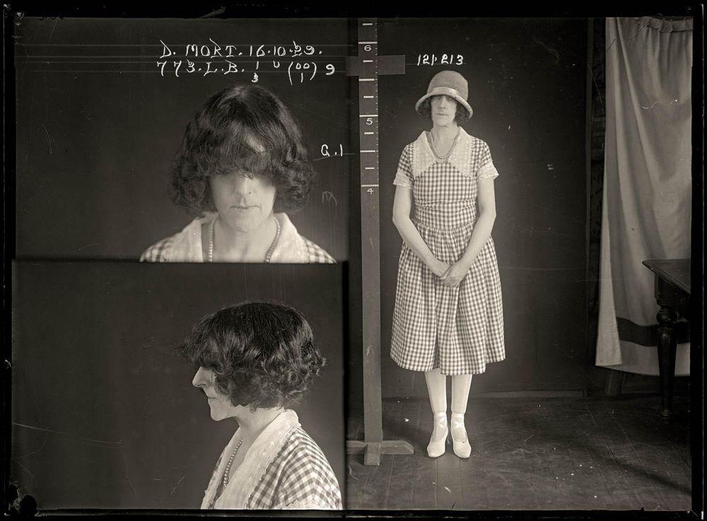 Female-gangster-Mug-Shots-10