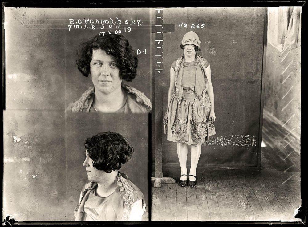 Female-gangster-Mug-Shots-13
