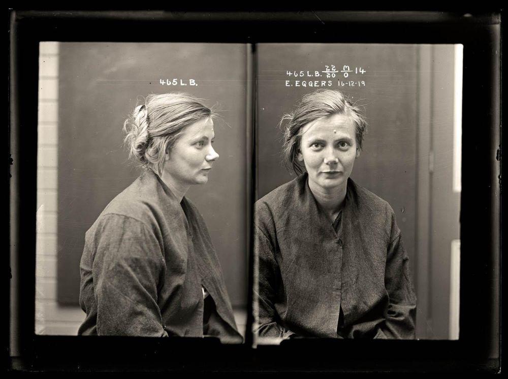 Female-gangster-Mug-Shots-42