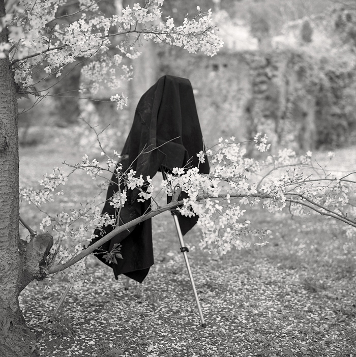 © Dominique Bollinger The garden - Autoportrait Ninfa - 1997