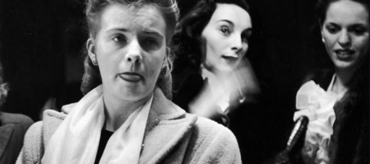 Trick mirror in Times Square Theatre (1946)