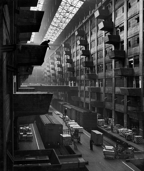 Biography Architecture Photographer Andreas Feininger