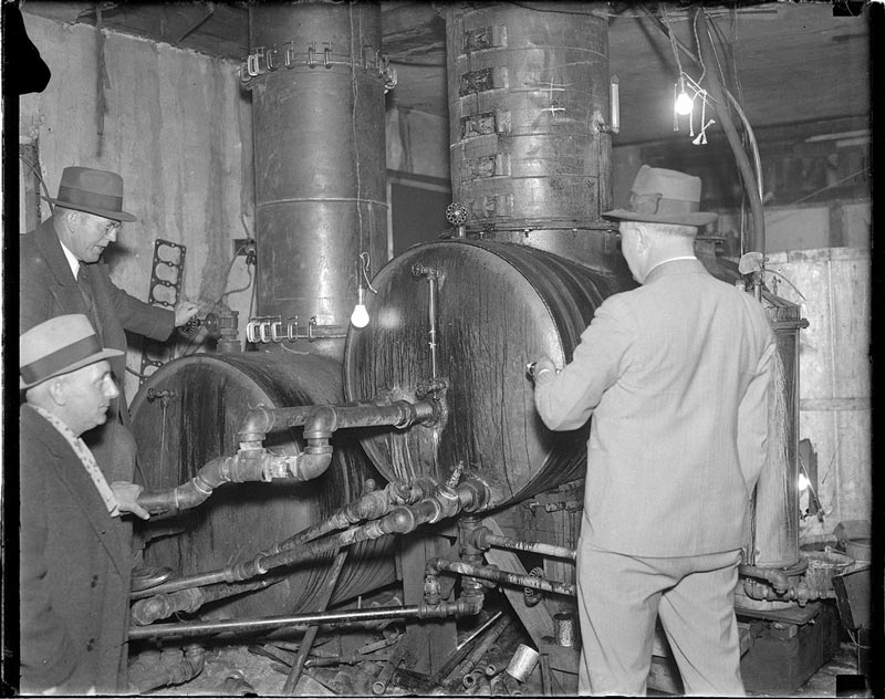 vintage-prohibition-photos-united-states-boston-13