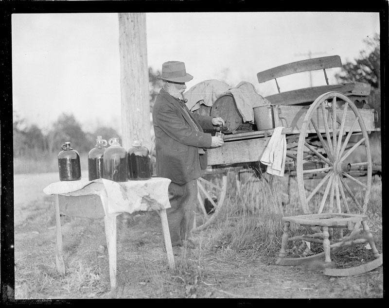 vintage-prohibition-photos-united-states-boston-14