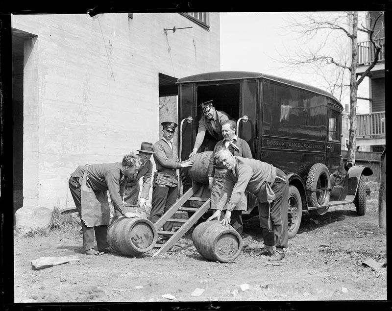 vintage-prohibition-photos-united-states-boston-17