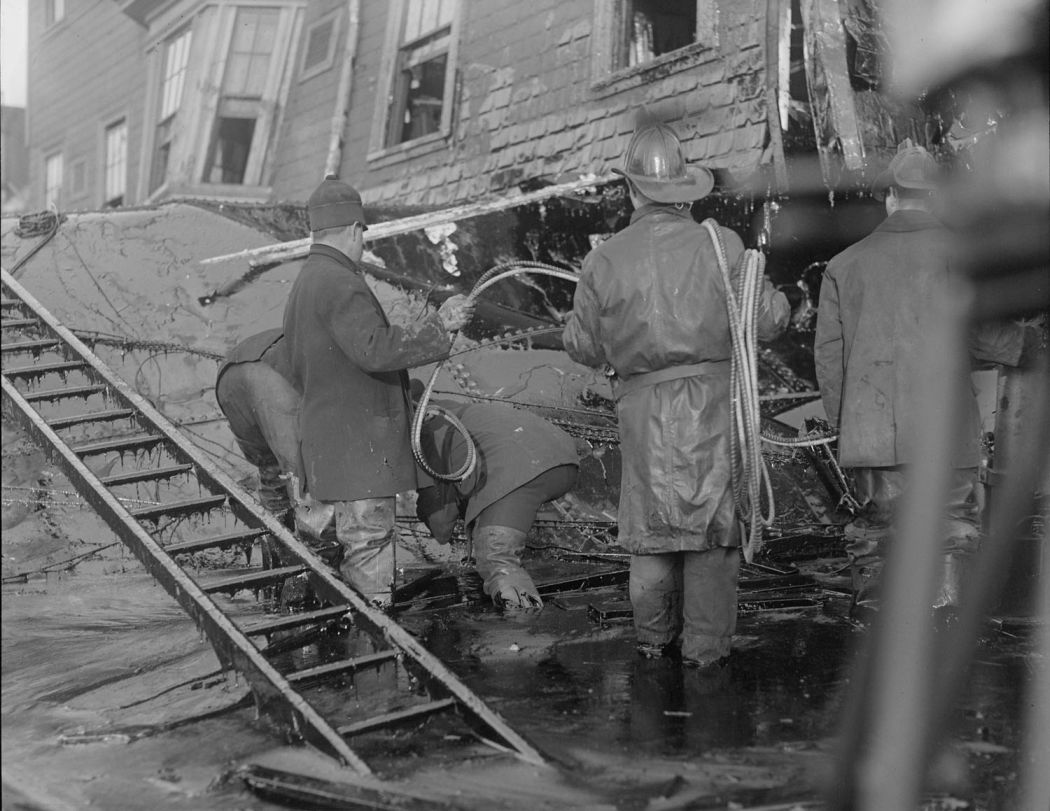 Boston-Molasses-Disaster-Flood-of-1919-03