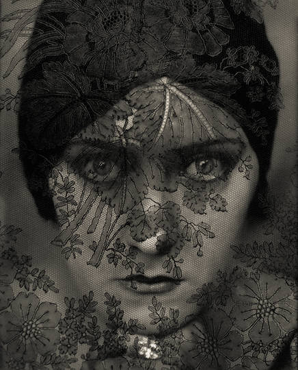 Edward_Steichen_In_High_Fashion-01