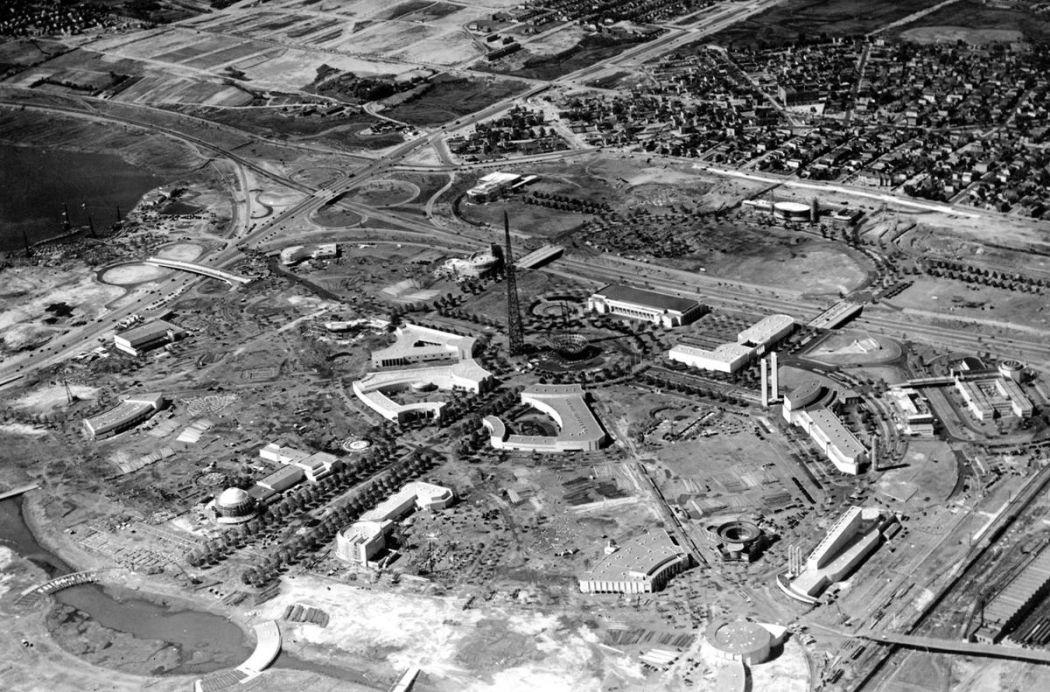 New-York-Worlds-Fair-in-1939-01
