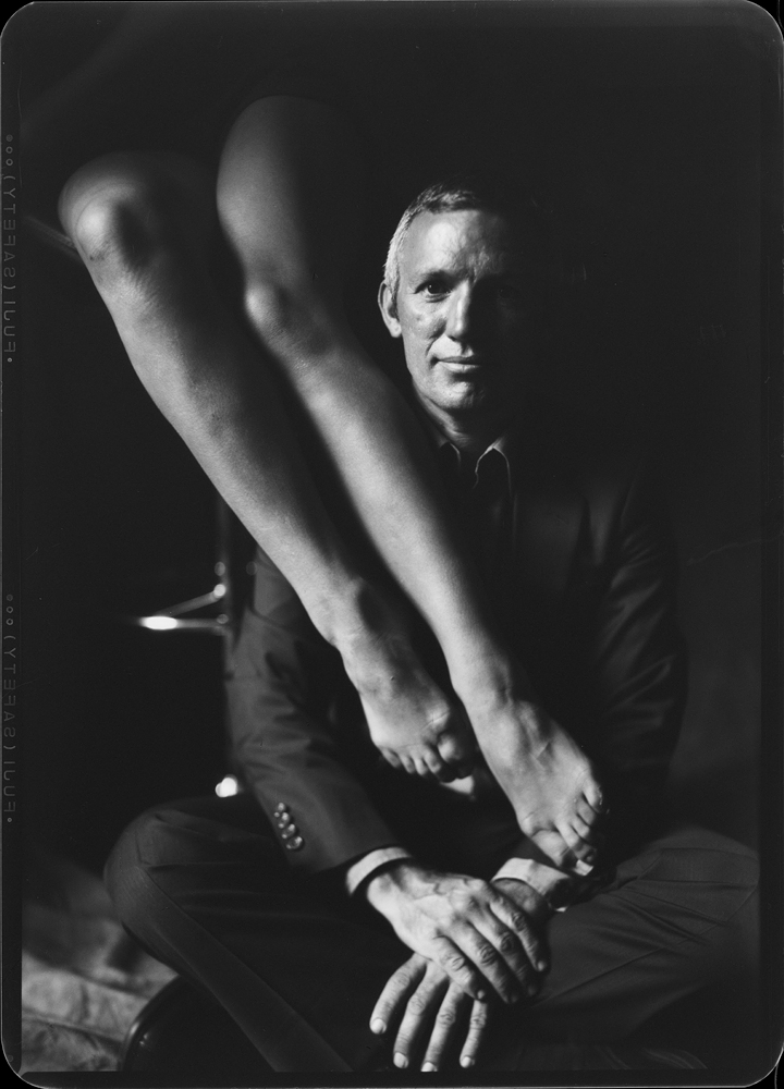 © Milosz Wozaczynski Portrait with legs