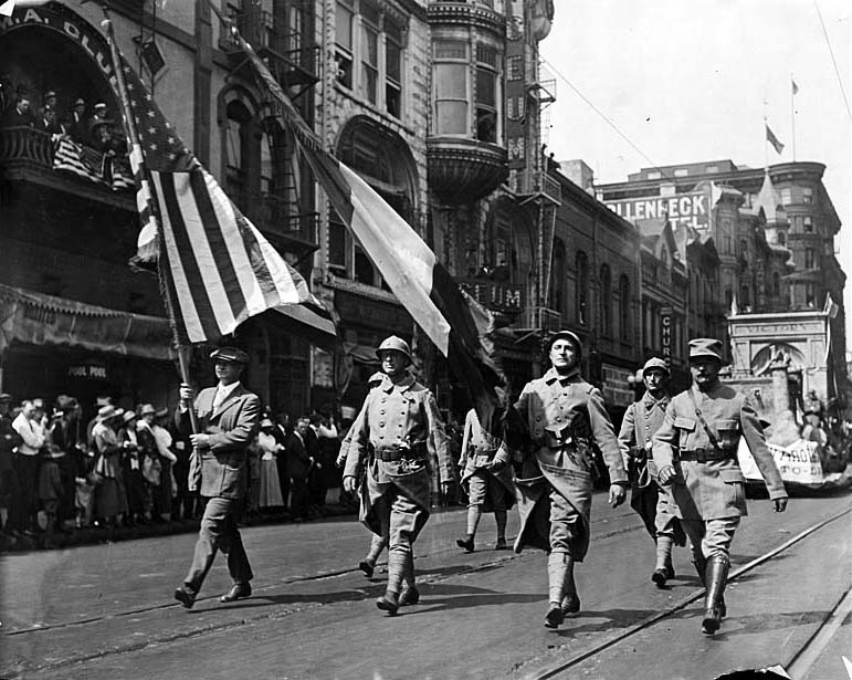 Nov. 11, 1922: Armistice Day parade in Los Angeles.