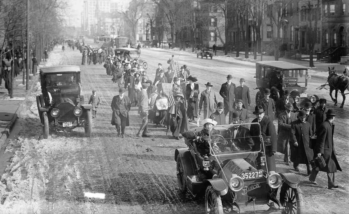 parade women Women suffragists at the head of the parade, marching down pennsylvania avenue, with the us capitol in background, on march 3, 1913 library of congress read more.