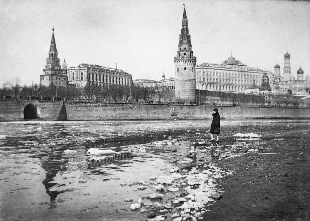 russia 1800s Transformation of russia in the nineteenth century  in the late 1800s, russia's domestic backwardness and vulnerability in foreign affairs reached crisis.