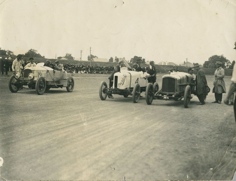 vintage-Motor-Racing-from-1920s-30s-10