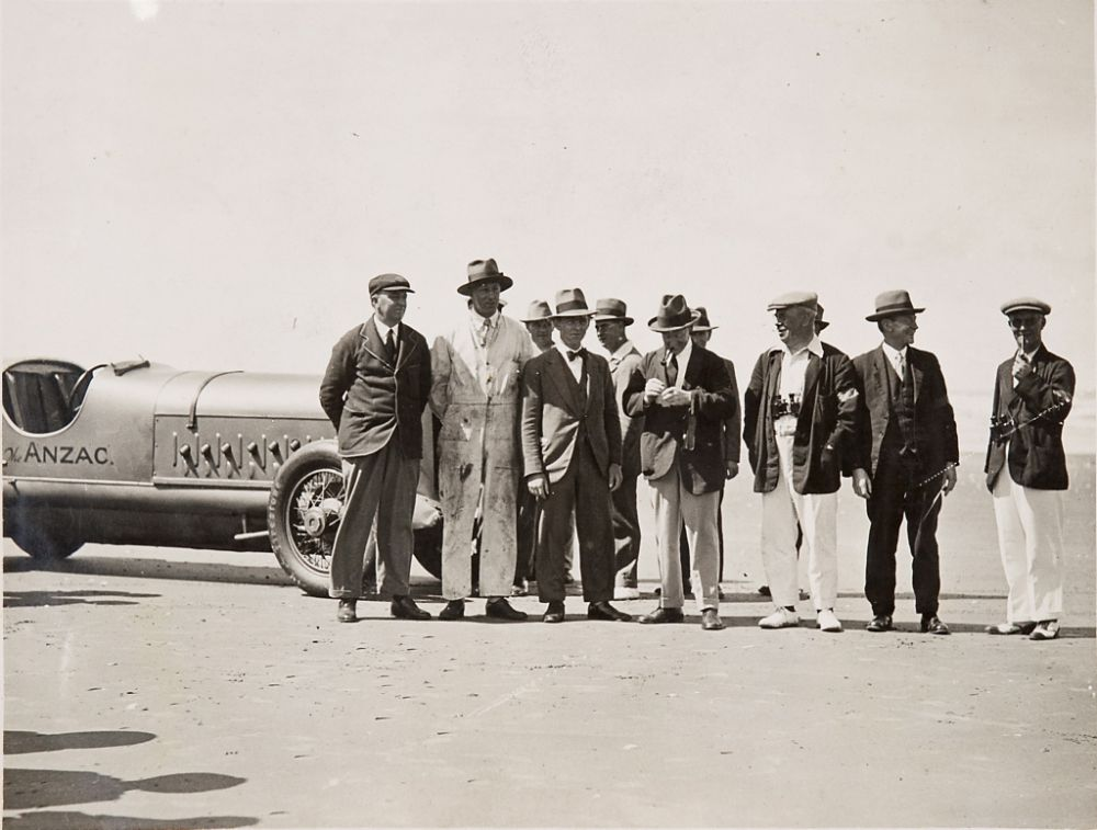 vintage-Motor-Racing-from-1920s-30s-15