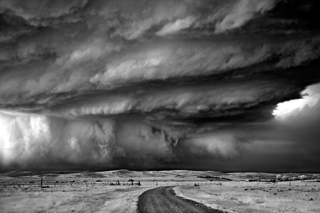 Mitch_Dobrowner-Storms-02