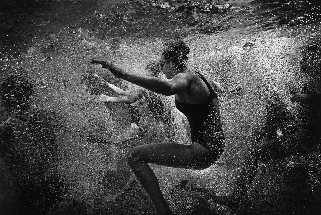 Tomasz-Gudzowaty-Synchronized-Swimming-01