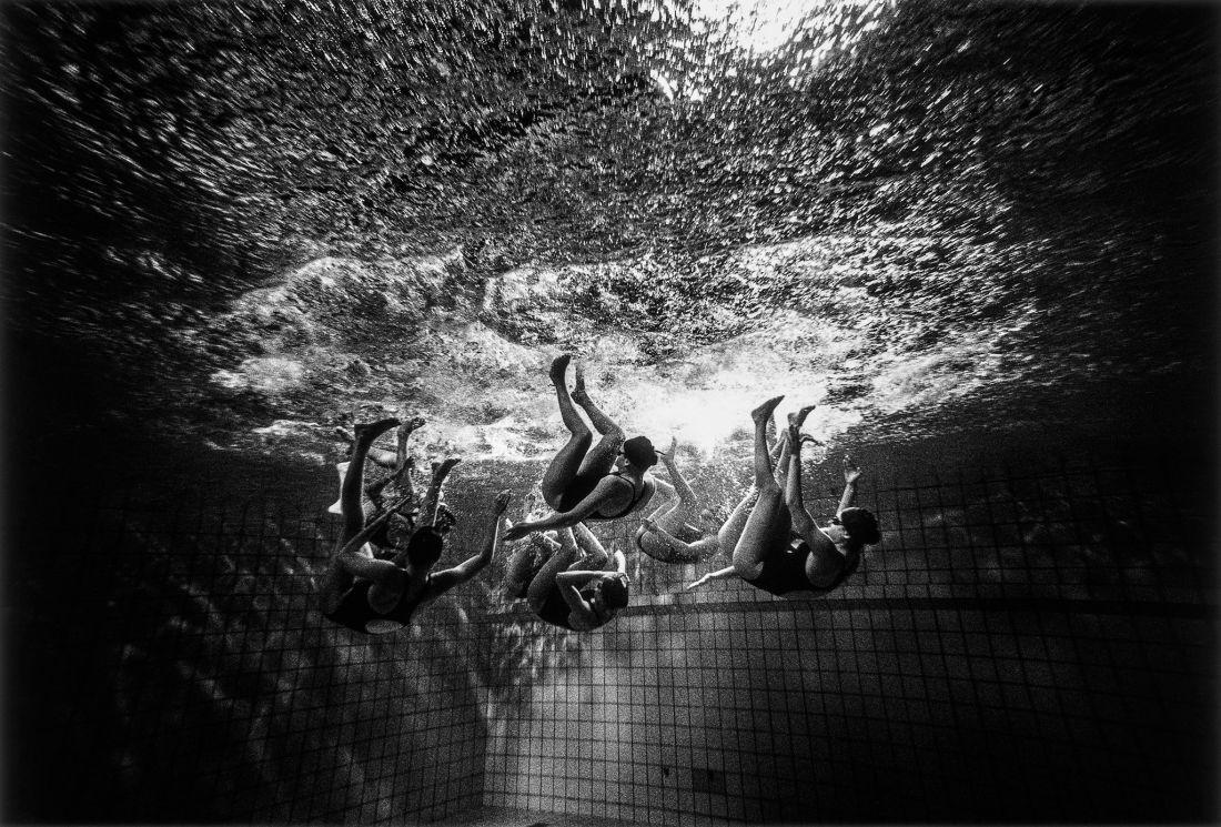 Tomasz-Gudzowaty-Synchronized-Swimming-15