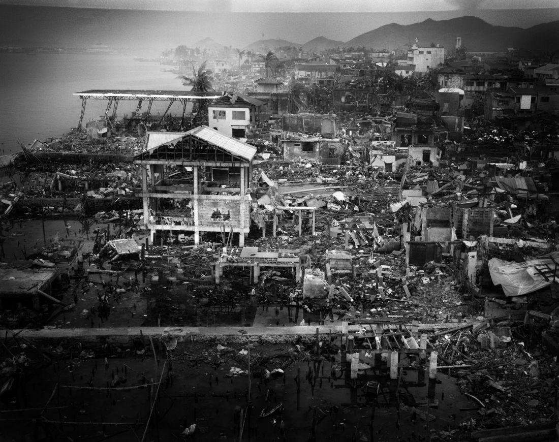 tomasz-gudzowaty-typhoon-haiyan-philippines-03