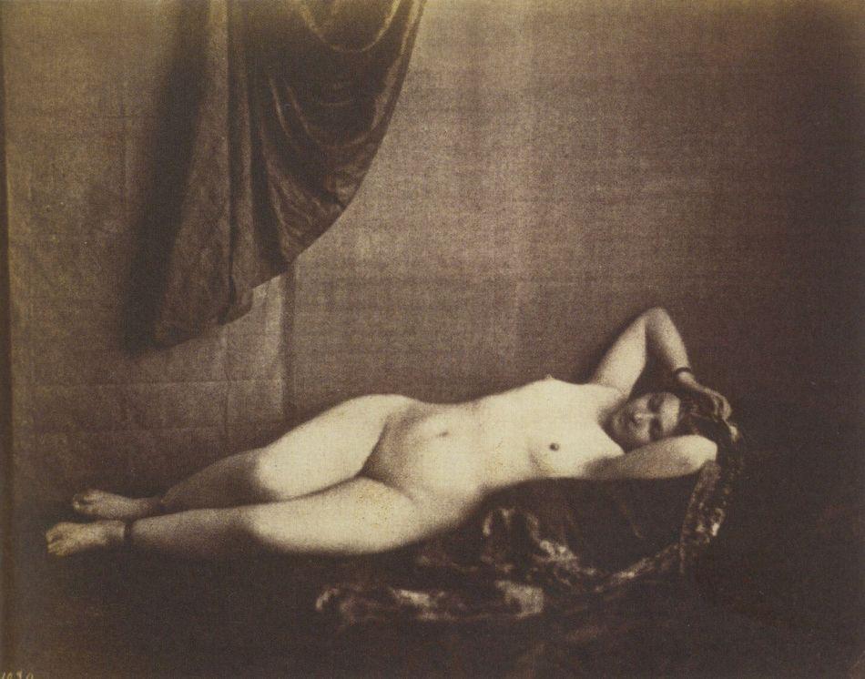 10-famous-nude-black-and-white-photographers-Julien-Vallou-de-Villeneuve