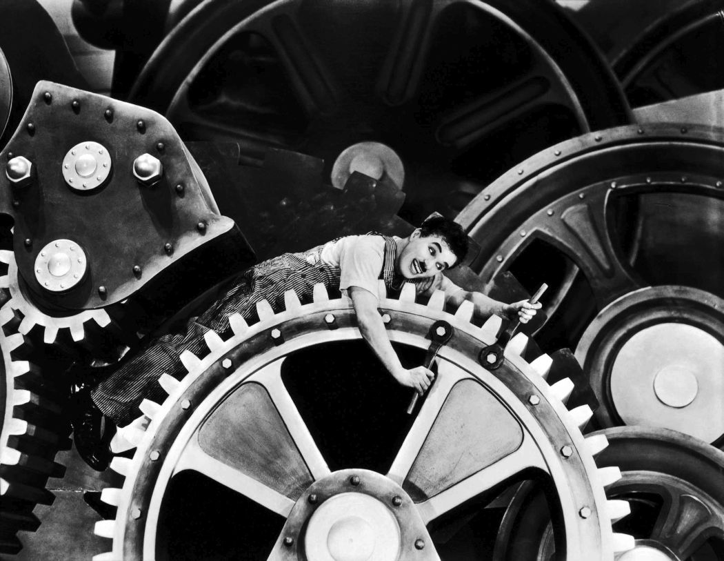 Behind-the-scenes-Chaplin-Charlie-Modern-Times_(1936)-45