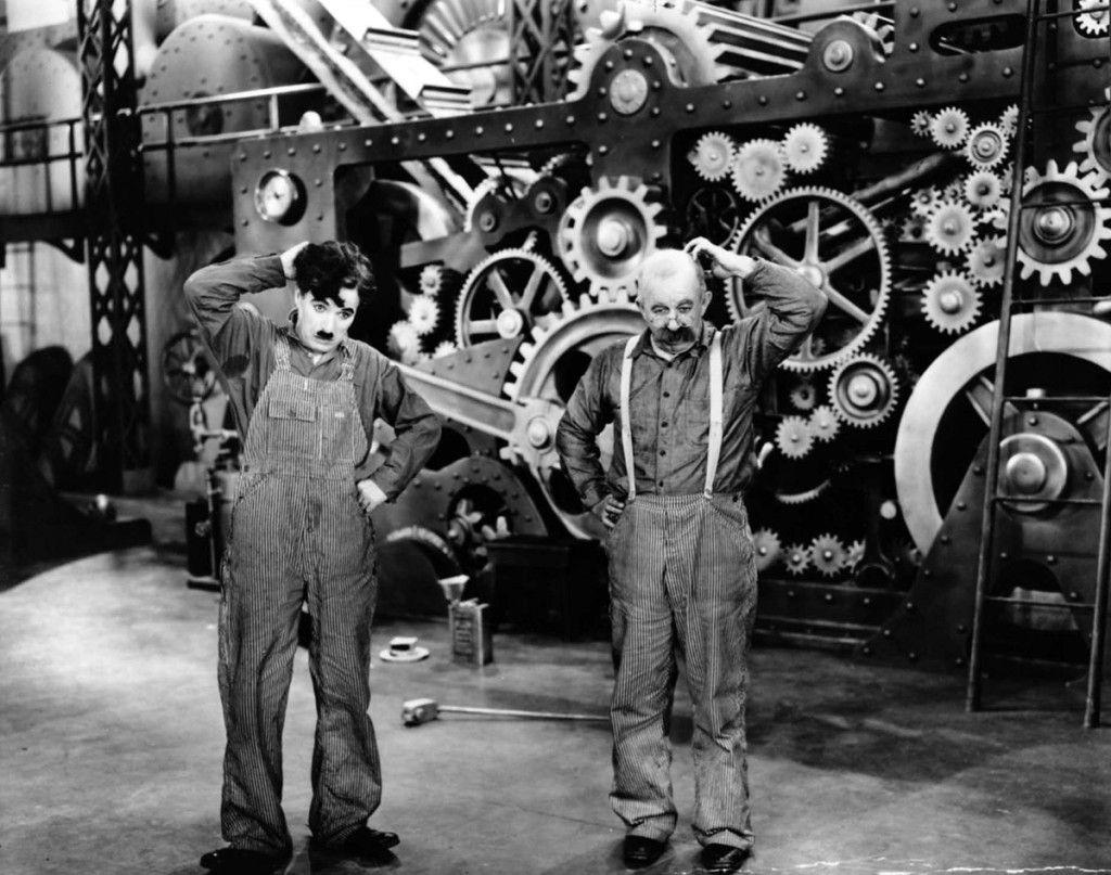 Behind-the-scenes-Chaplin-Charlie-Modern-Times_(1936)-47