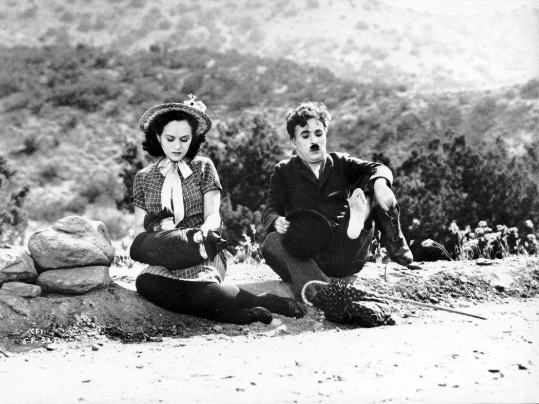 Behind-the-scenes-Chaplin-Charlie-Modern-Times_(1936)-68