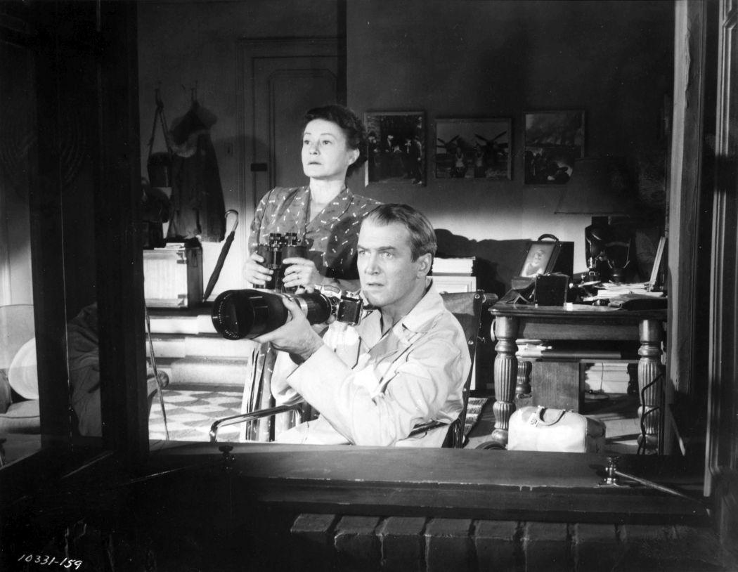 Behind-the-scenes-Rear-Window-(1954)-40