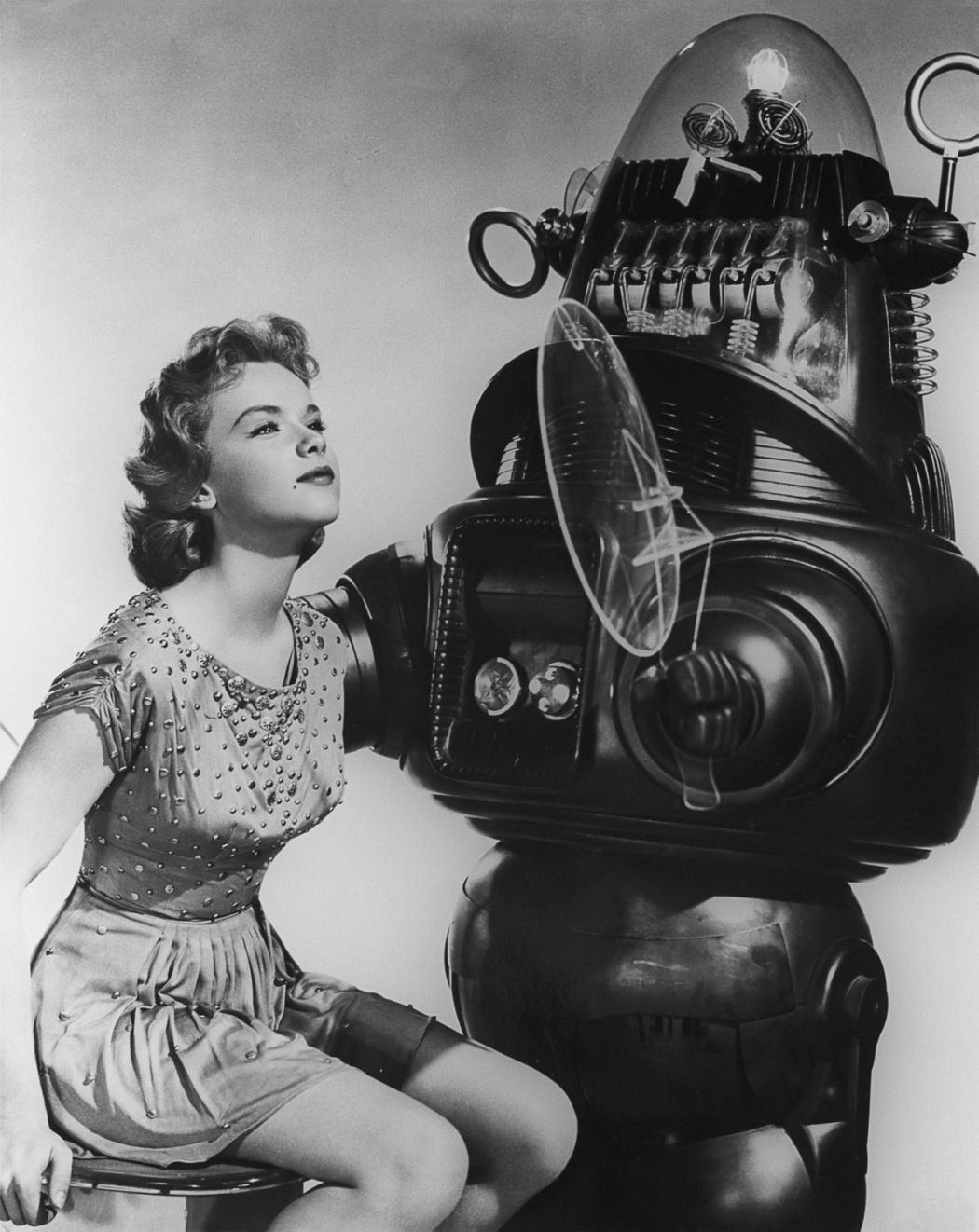 forbidden planet Disc #1 -- forbidden planet play movie scene selections special features deleted scenes lost footage 2/28/1958 the thin man: robot client tv episode.