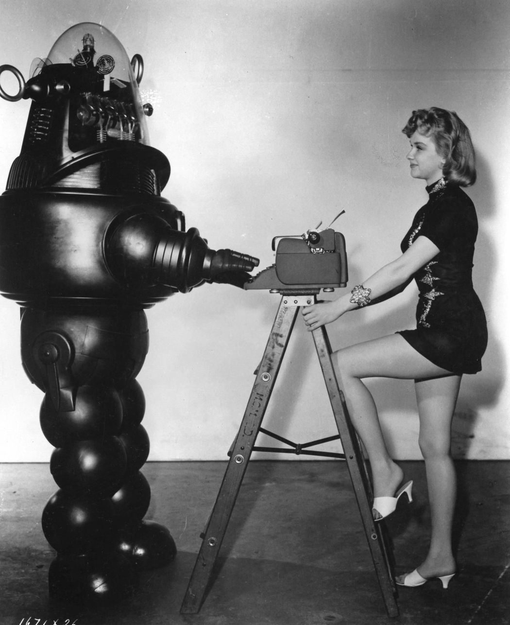 Forbidden-Planet-(1956)-34