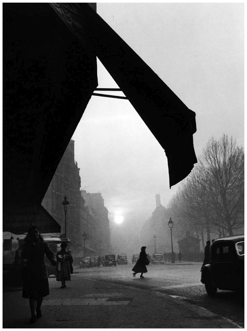 © Willy Ronis Carrefour Sèvres Babylone, Paris,  1948