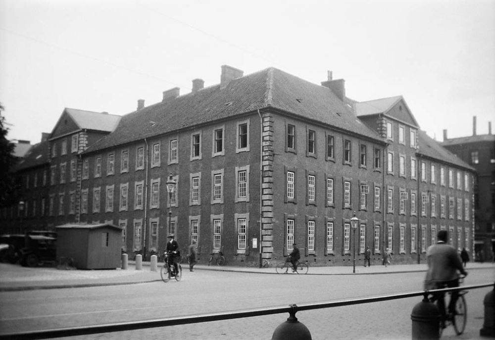 """The building """"Vartov"""" in Copenhagen, at the corner of Farvergade and Vester Voldgade streets. The building, which is from the 18th century, was a hospital until 1934."""