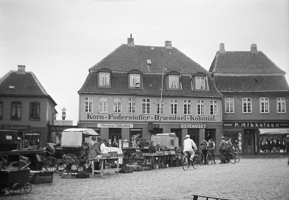 Market in Nakskov at the island of Lolland. 1933