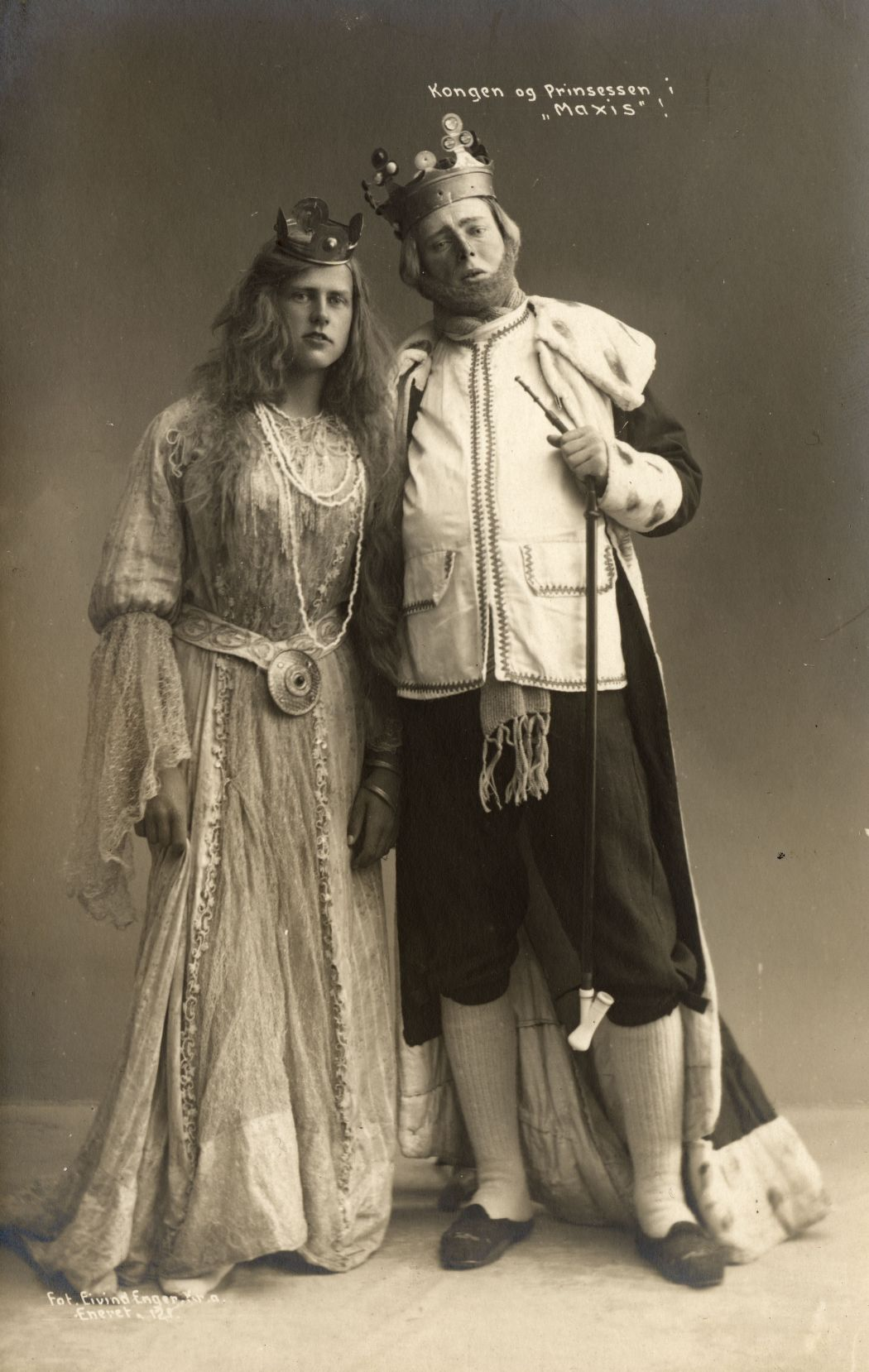 fairy-tale-glass-plate-portraits-from-norway-1909-18