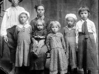 Glass-Plate Family Portraits from Romania (1940s)