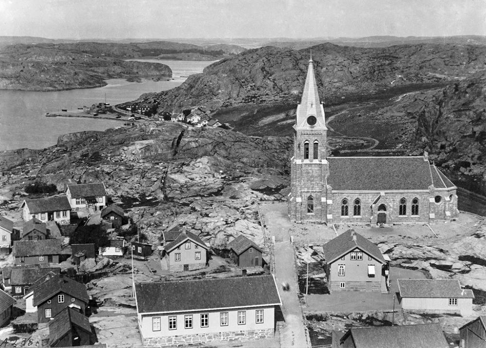 Västra Götaland, Tanum, Kville, Bohuslän, Byggnader-Religionsutövning - kyrkor-(01) Exteriörer