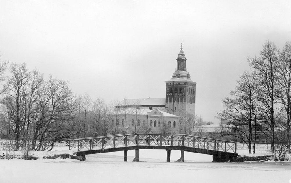 Västmanland, Sala, Sala stad, Västmanland, Byggnadsverk-Religionsutövning - kyrkor-(01) Exteriörer
