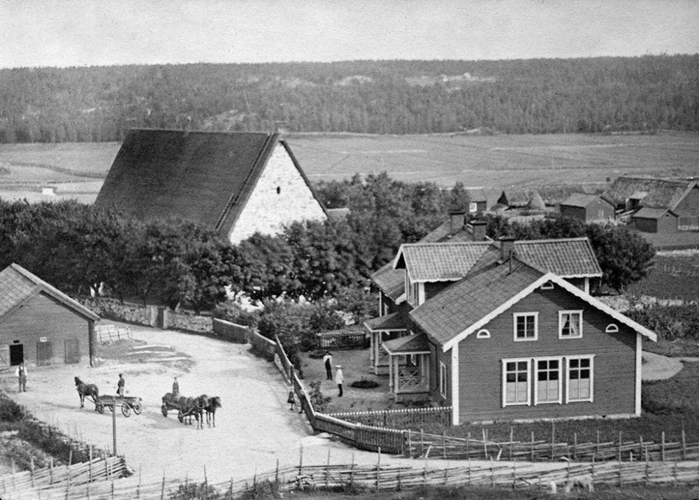 Stockholm, Vallentuna, Kårsta, Uppland, Byggnader-Religionsutövning - kyrkor-(01) Exteriörer