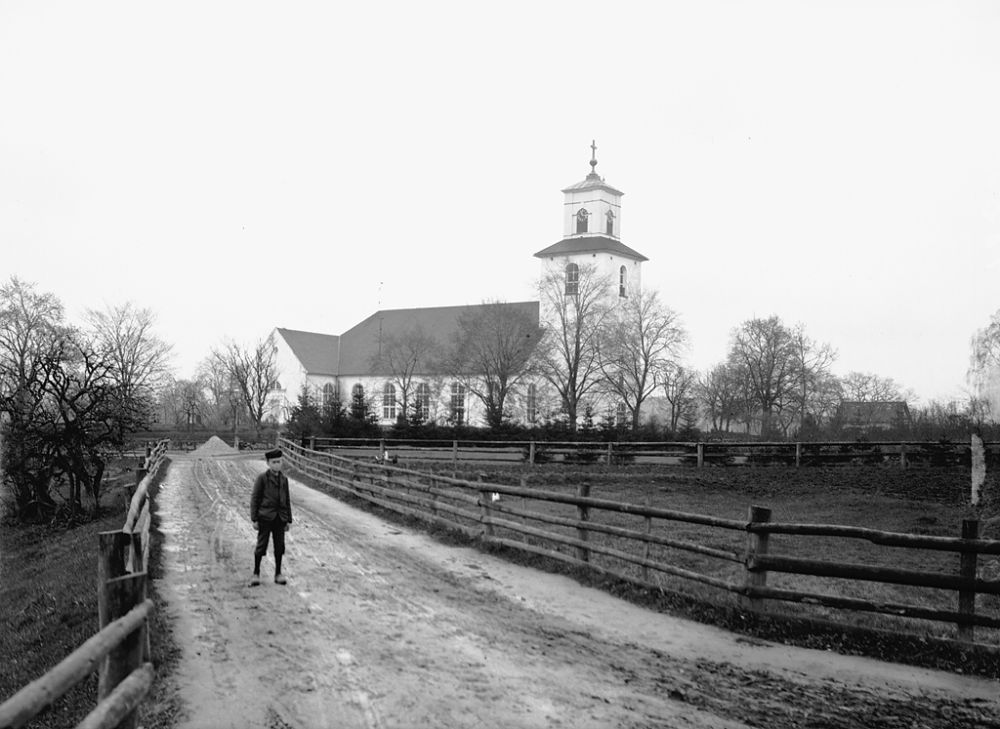 swedish-churches-from-1100-1900-99