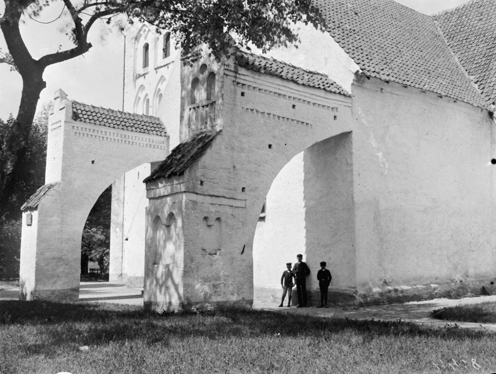 swedish-churches-from-1100-1900-ad-08