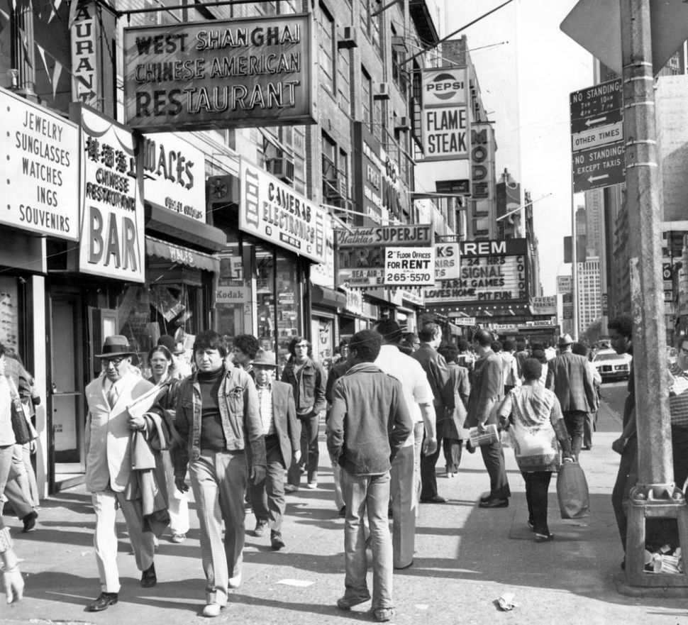 times-square-in-1970s-21