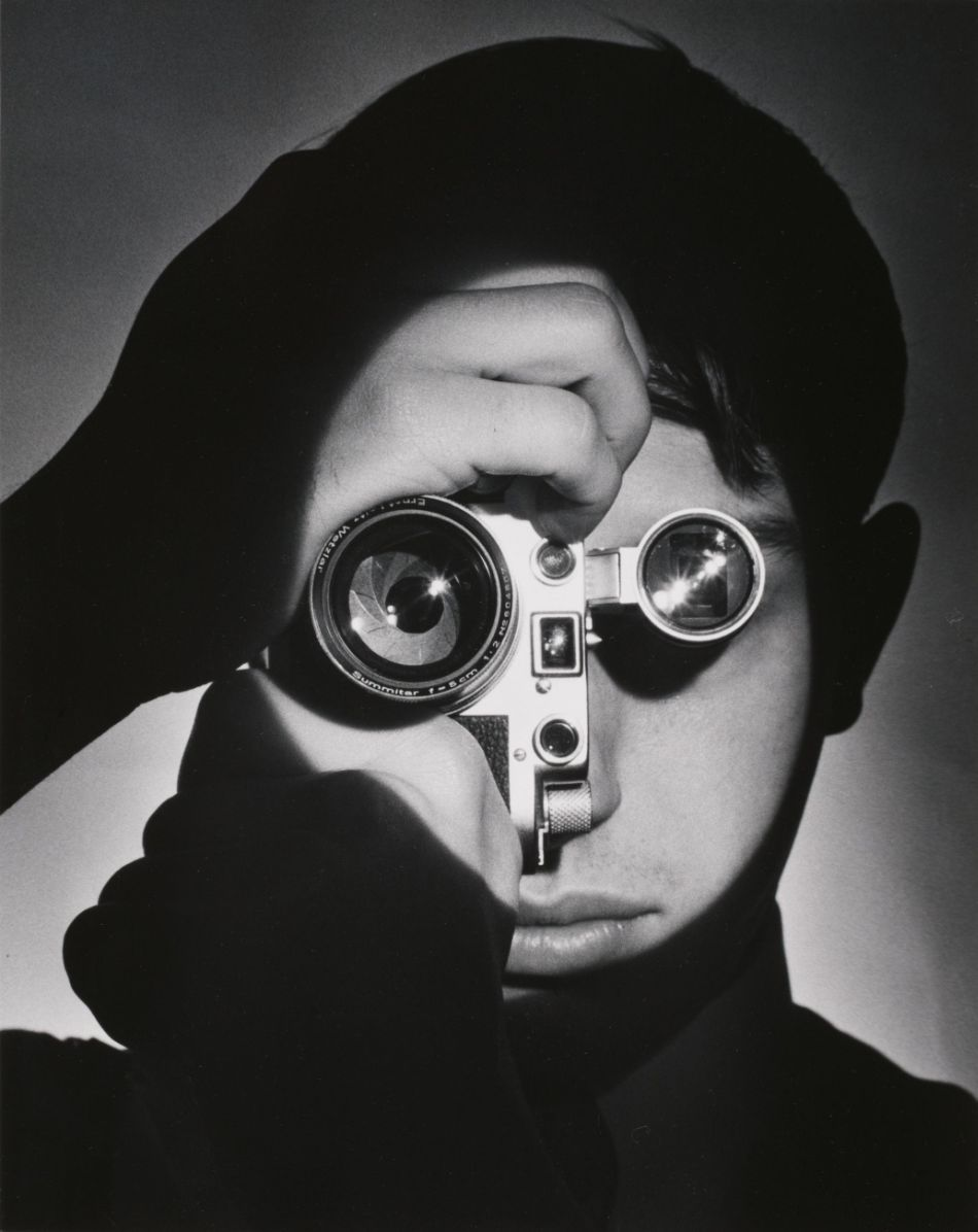 top-10-black-and-white-self-portraits-by-famous-photographers-Andreas-Feininger