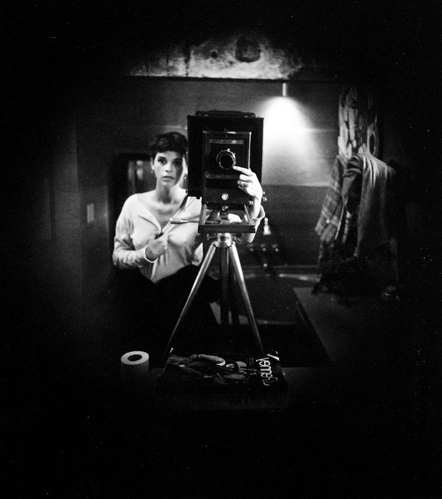 top-10-black-and-white-self-portraits-by-famous-photographers-Sally-Mann