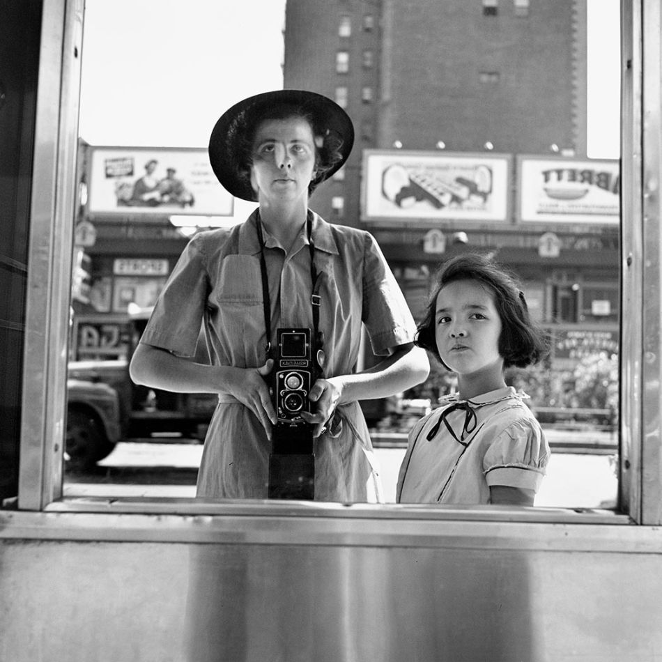 top-10-black-and-white-self-portraits-by-famous-photographers-Vivian-Maier
