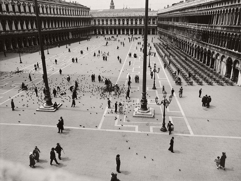 Piazza San Marco, Veneto, Venice, 1934, photo: Emil Otto Hoppé