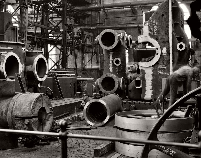 Factory floor, Borsig Locomotive Works, Berlin, 1928 - Emil Otto Hoppé: The German Work