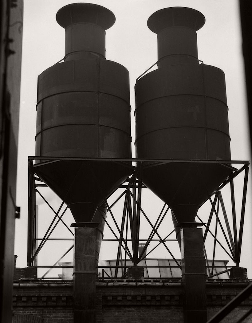 Elevated tanks, M.A.N. Works, Nürnberg, 1928 - Emil Otto Hoppé: The German Work