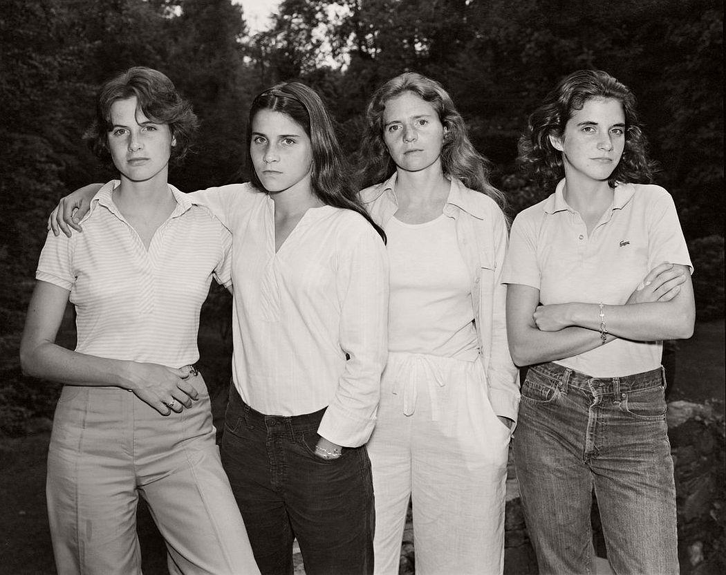 nicholas-nixon-the-brown-sisters-40-years-00